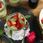 Basilikum Panna-Cotta mit Balsamico-Erdbeeren